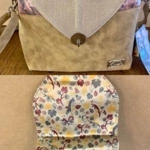 Hi-Di-Hi LK01 Camel Leaf Handbag, 28x28x12cm