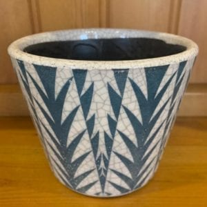 Grand Illusions Old Dutch Style Teal Plant Pot – Spikes