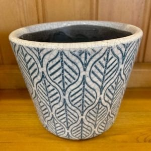 Grand Illusions Old Dutch Style Teal Plant Pot – Single Leaf