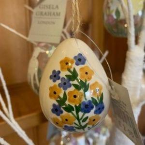 Gisela Graham Hanging Ceramic Easter Egg – Floral